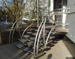 Czym kierować się wybierając schody do domu