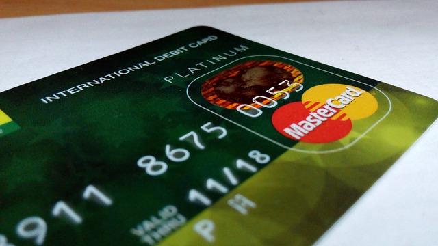 Obsługa kasy fiskalnej z czytnikiem kart magnetycznych