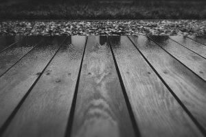 Dlaczego drewniany taras może niszczeć?
