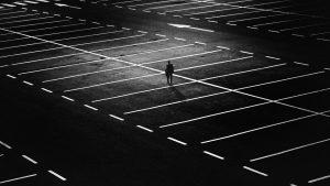 oświetlenie parkingu