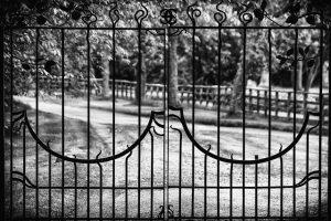 Uniwersalne ogrodzenia panelowe